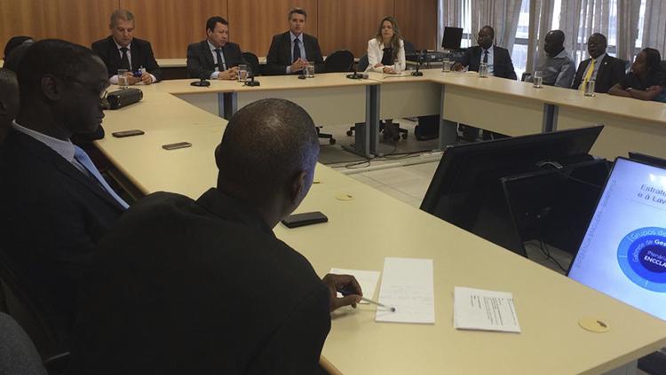 Delegação da Guiné-Bissau conhece modelo brasileiro de combate à corrupção