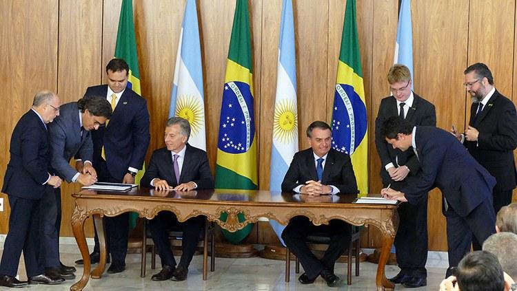 Brasil e Argentina atualizam tratado de extradição