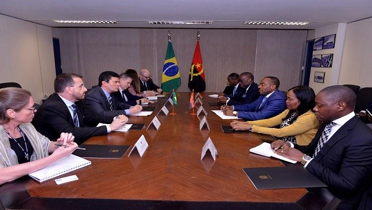 Delegação de Angola visita MJSP para conhecer experiências de combate à corrupção