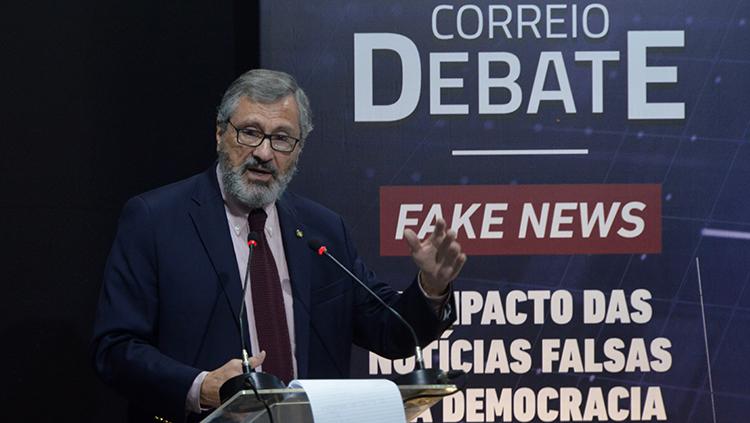 Ministro Fake News