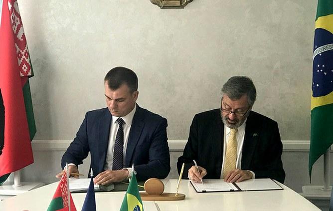 Brasil e Belarus assinam acordo de cooperação internacional
