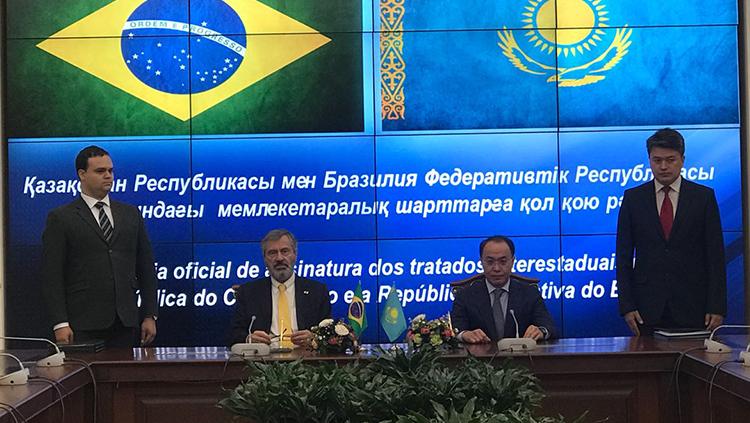 Assinatura acordo Cazaquistão