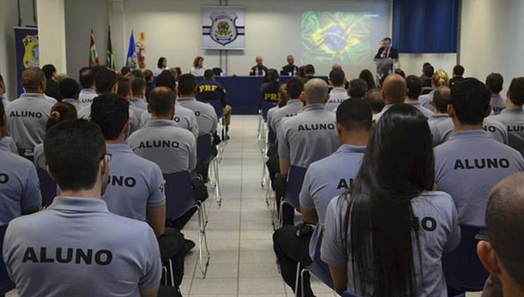 Depen inicia curso de formação de servidores em Florianópolis