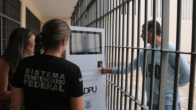 Instalação de totem em presídios facilitará trabalhos do Depen e da DPU