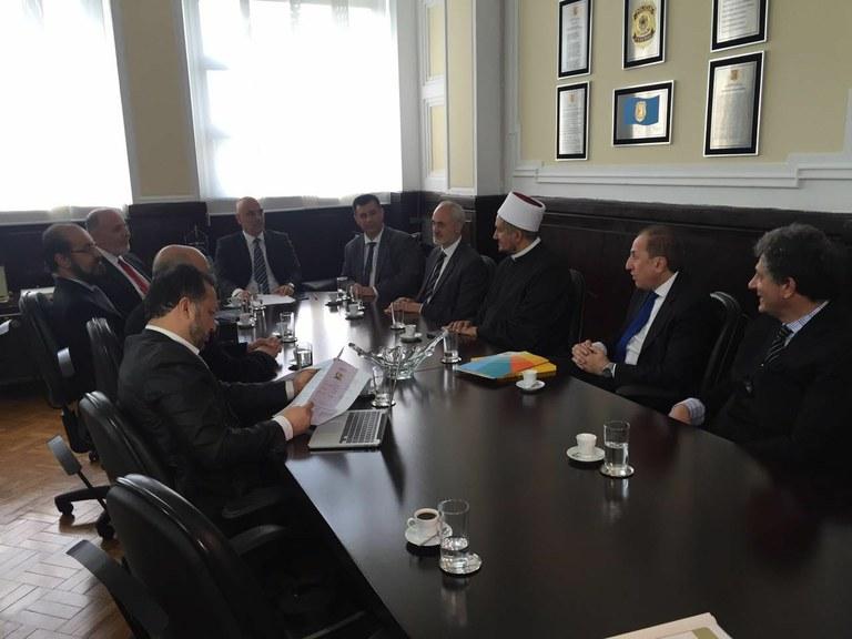Ministro recebe presidente da União Islâmica no Brasil