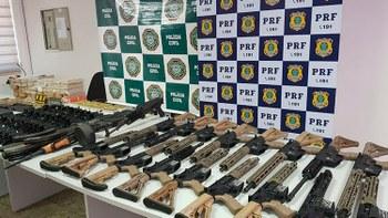 Armamento foi encontrado com militar na divisa com São Paulo