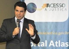 Promulgada Emenda Constitucional que fixa prazo para dotar todas as comarcas com defensores públicos