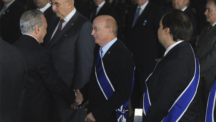 Ministro da Justiça é condecorado com a insígnia da Ordem de Rio Branco